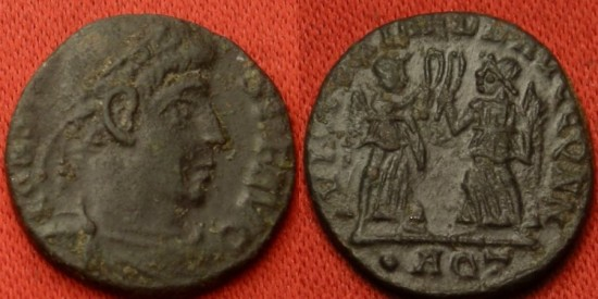 CONSTANS AE3. Aquileia mint. Two Victories standing, holding wreaths & palms.